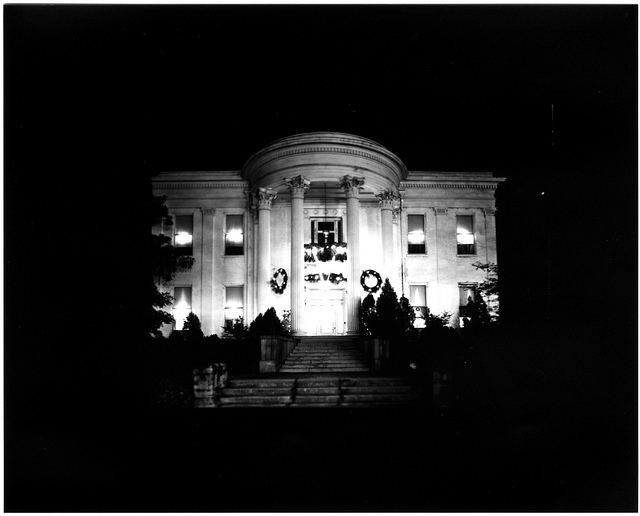 Governor's Mansion, December 25, 1941. Call number: PI/1999.0001, image 162. (Al Fred Daniel Photograph Collection)